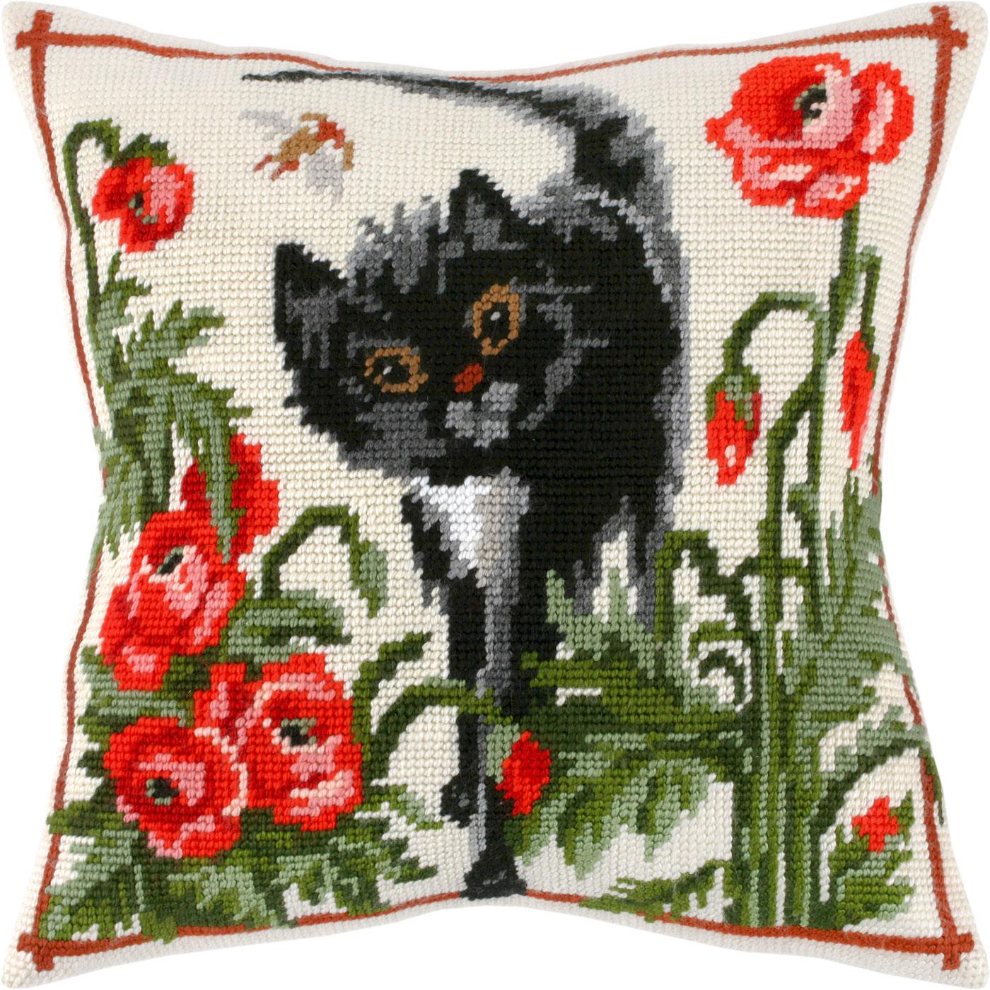 V01 — Кіт серед маків